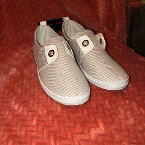 0ad5b34285 dELiA*s Flats & Loafers for Women | Poshmark